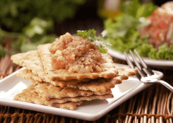 Receta ensalada con quínoa y Galletas Saltín Noel Semillas y Cereales