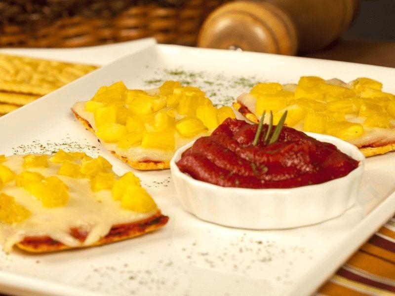 Receta galletas saltin noel maiz con jamon,queso y piña