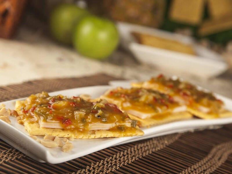 Receta sandwich saltin noel maiz con chutney de mago jamon y pollo