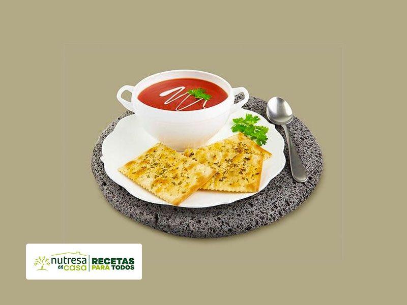 Receta sopa de tomate con saltin