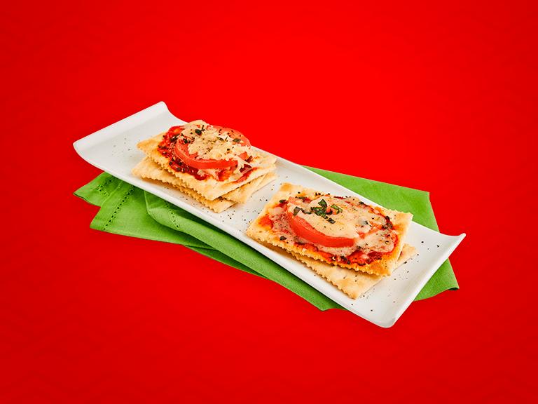 Pizza Margarita con Galletas Saltín Noel Tradicional